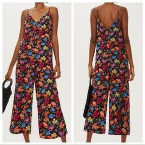 Topshop Pants - NWT TopShop 6 Floral Retro Look Cropped Jumpsuit